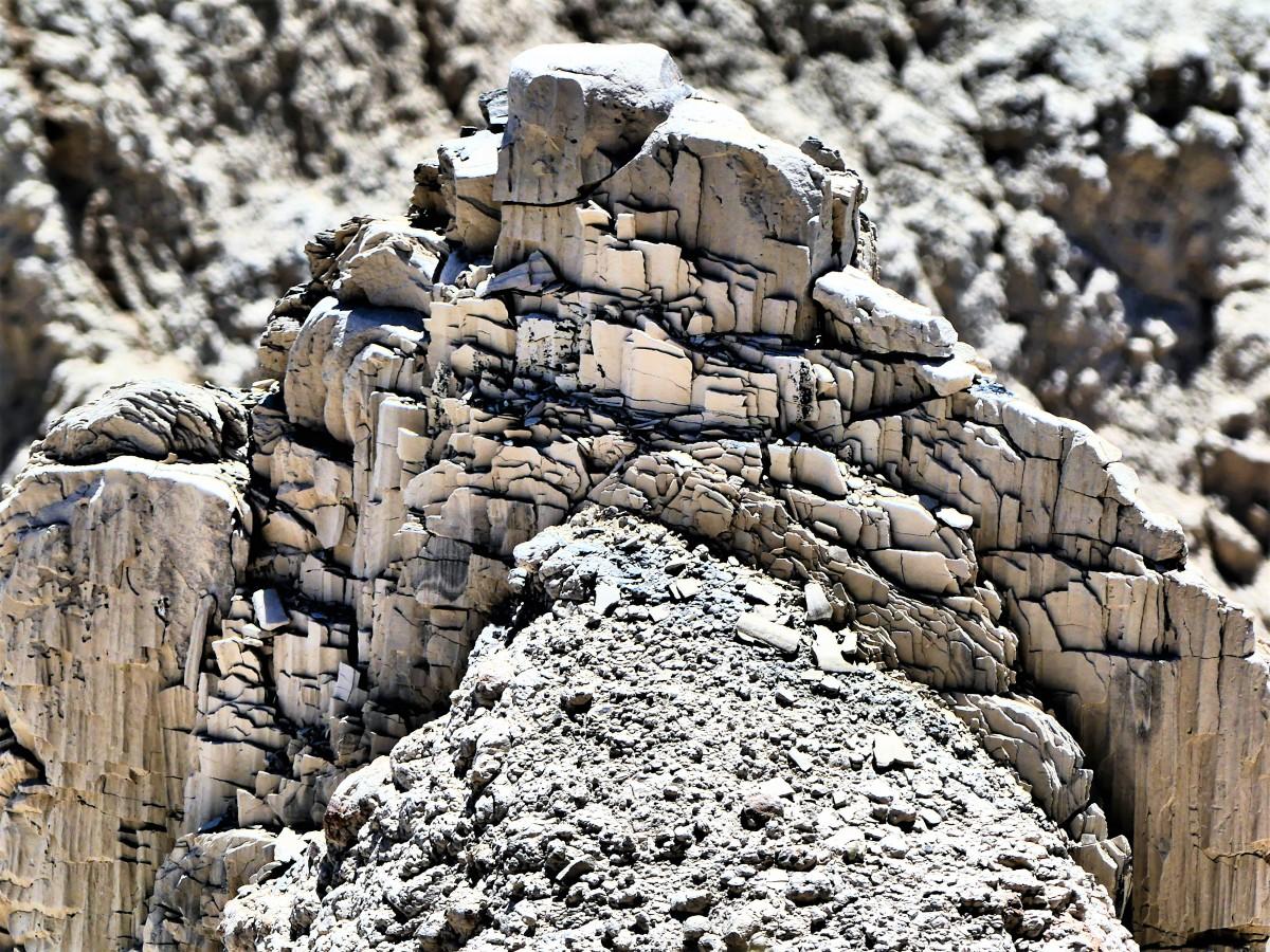 rock brittle
