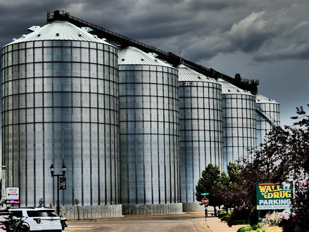 Wall Drug silos