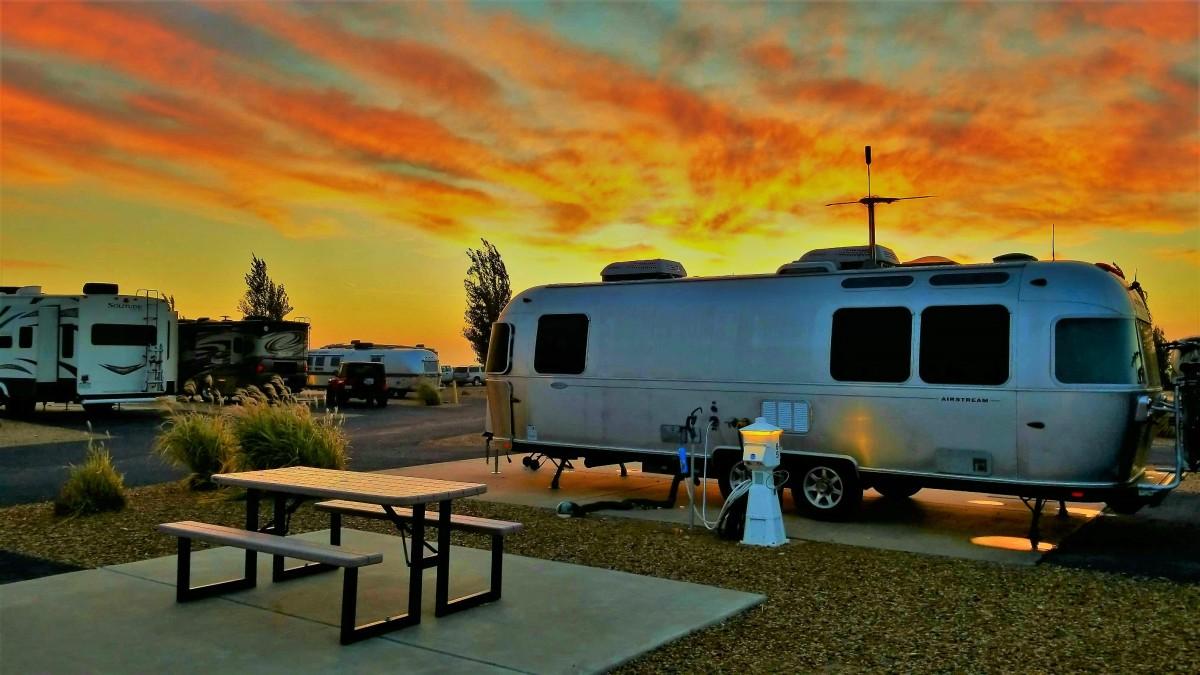 Airstream sunrise1