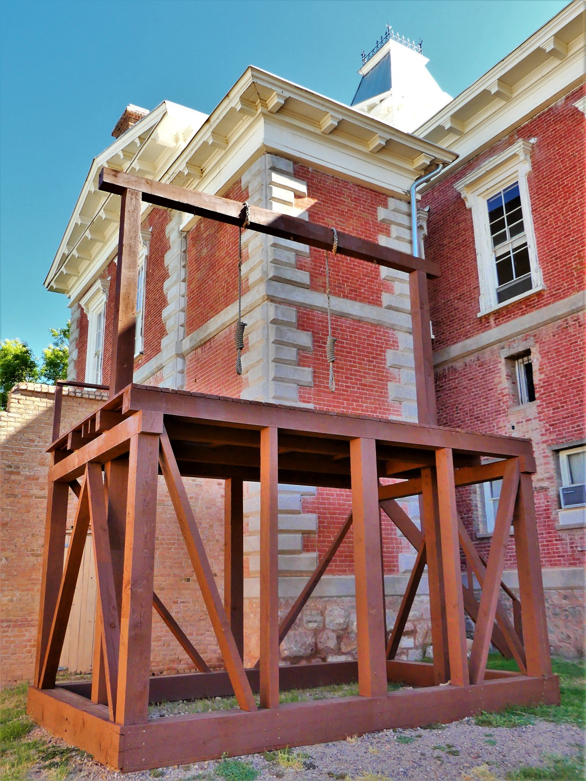 courthouse gallows