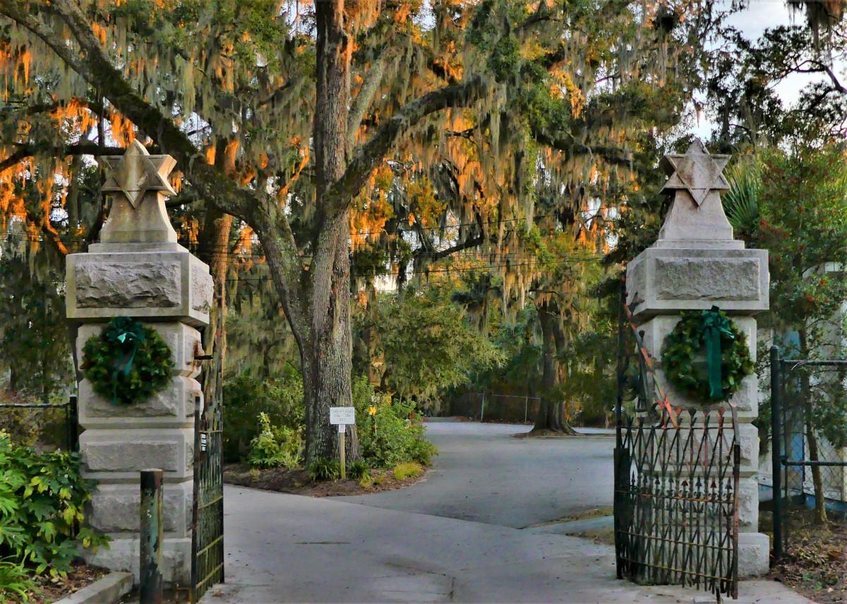 Bonaventure gate for Jews