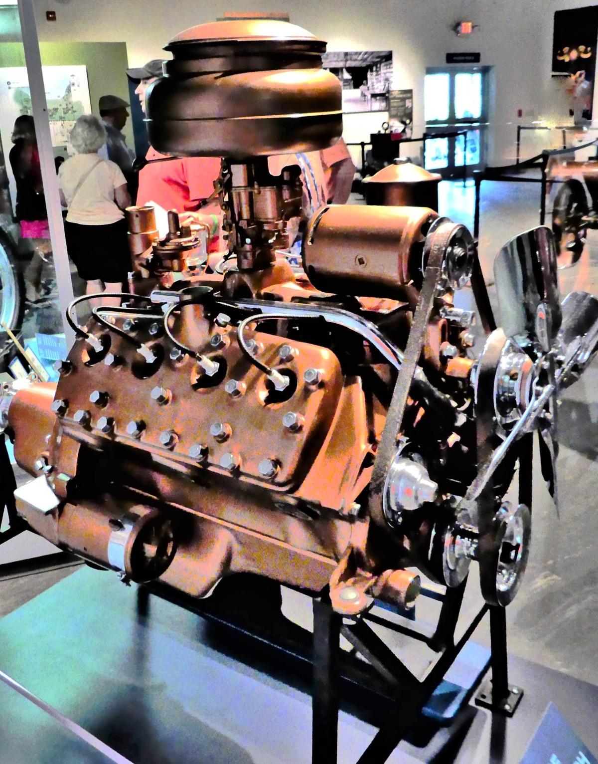 V-8 engine (2)
