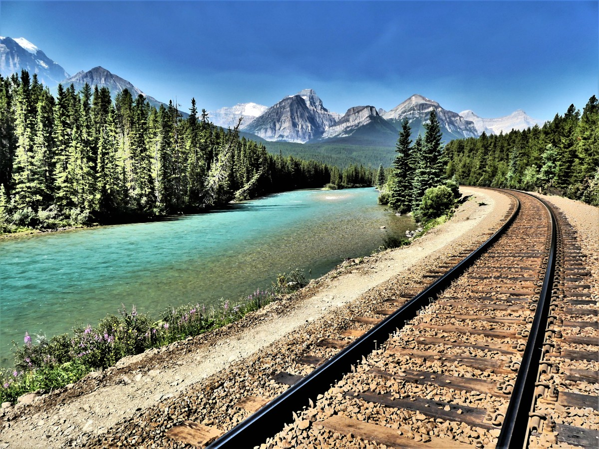 Banff Rocky Mountaineer trail