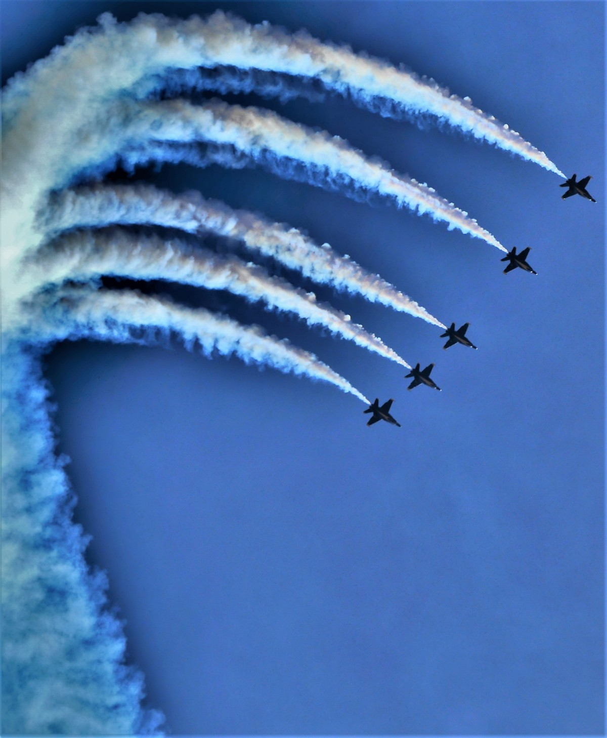 Blue Angels contrails