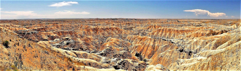 Badlands NP panorama