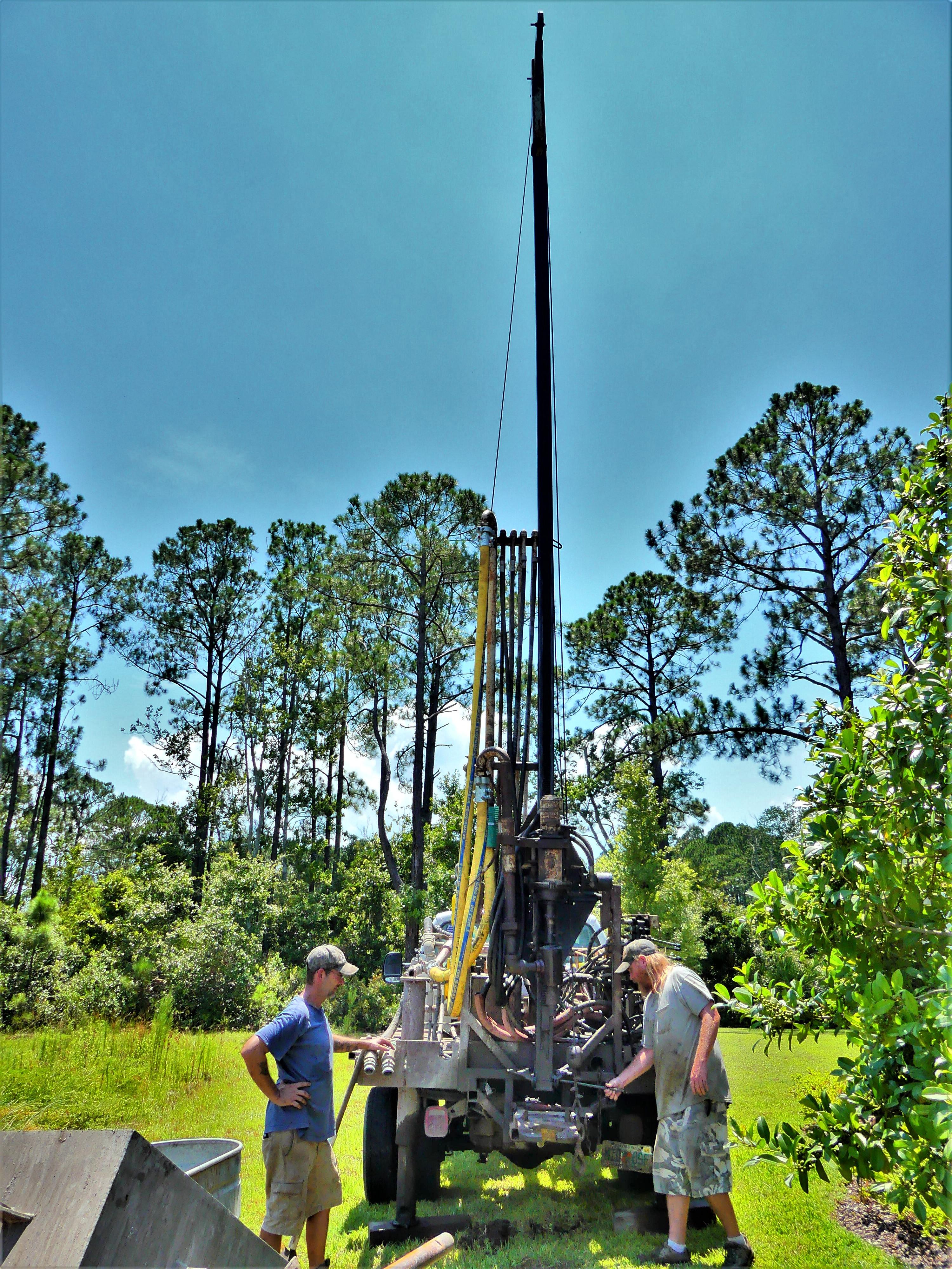 raising the drilling mast