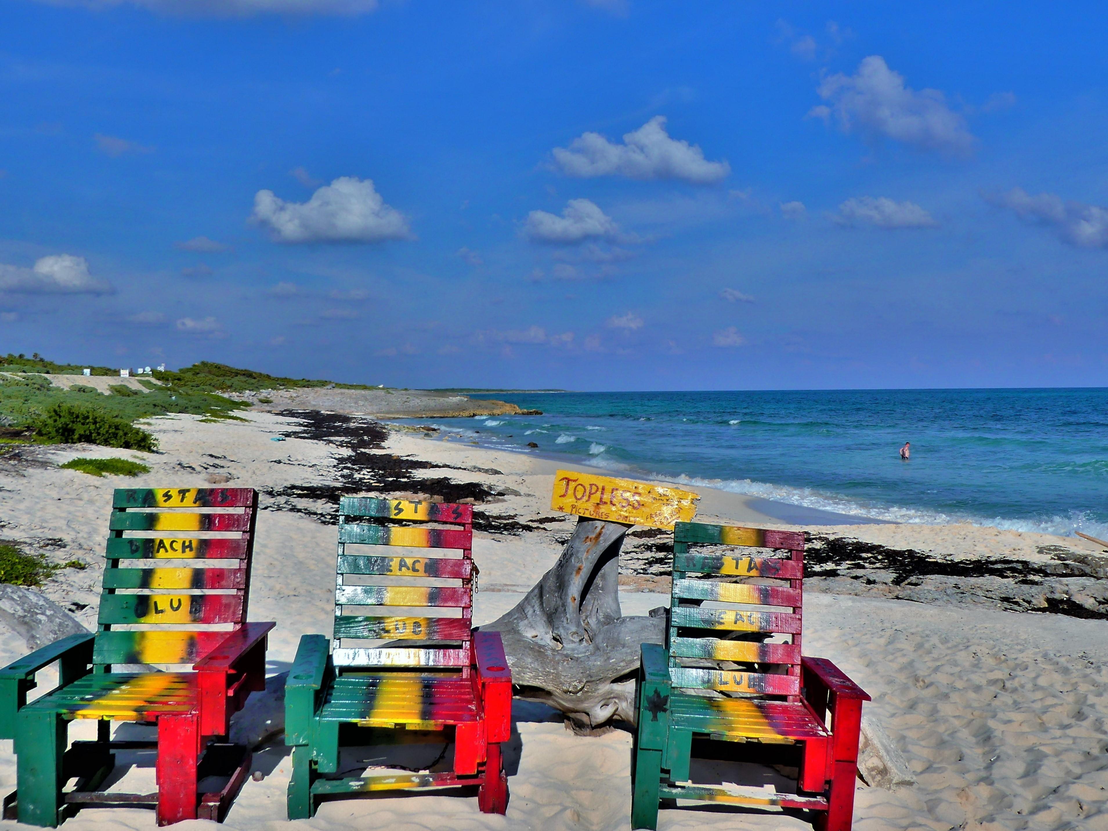 rasta's beach club chairs1