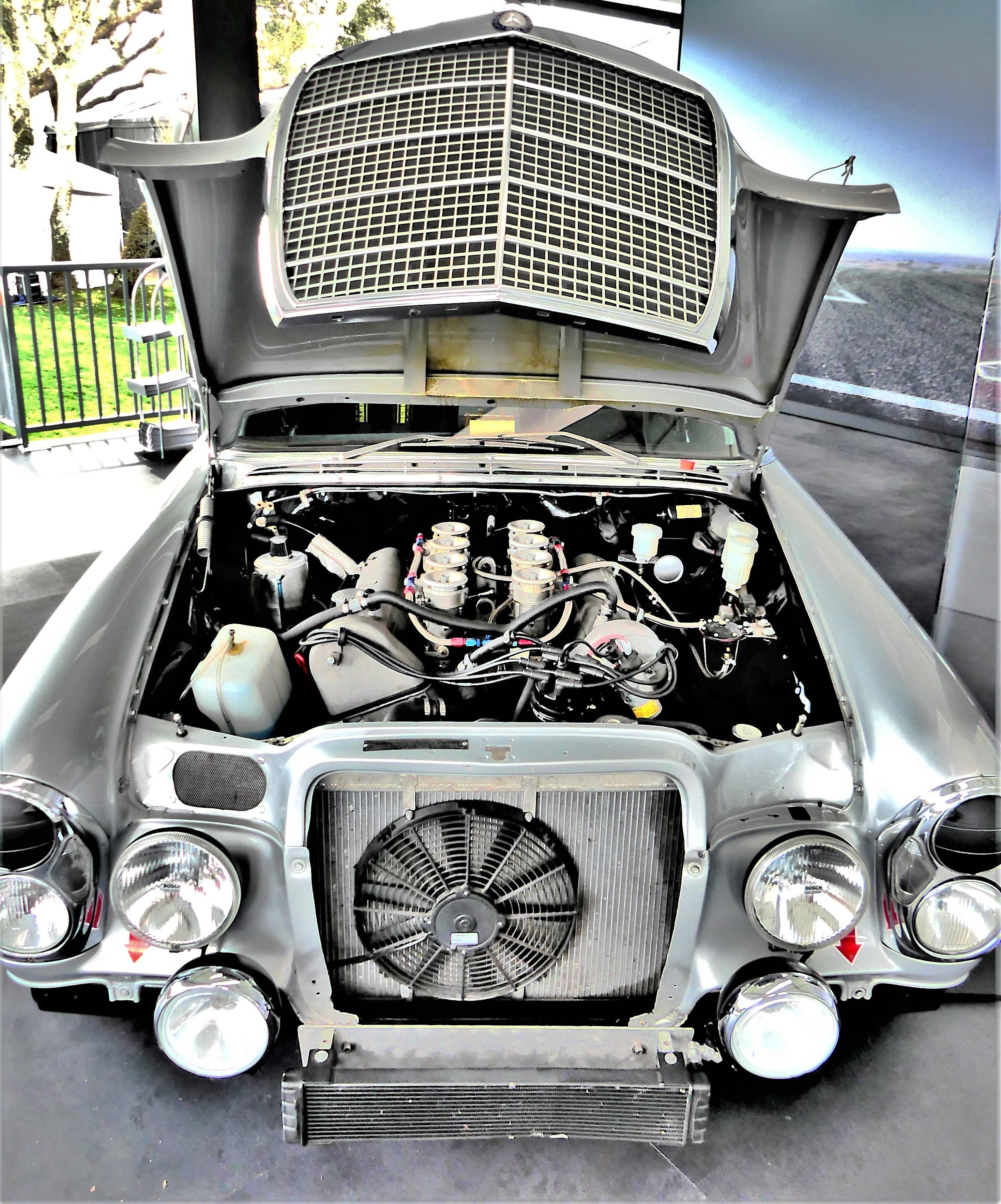 Mercedes V10 (3)