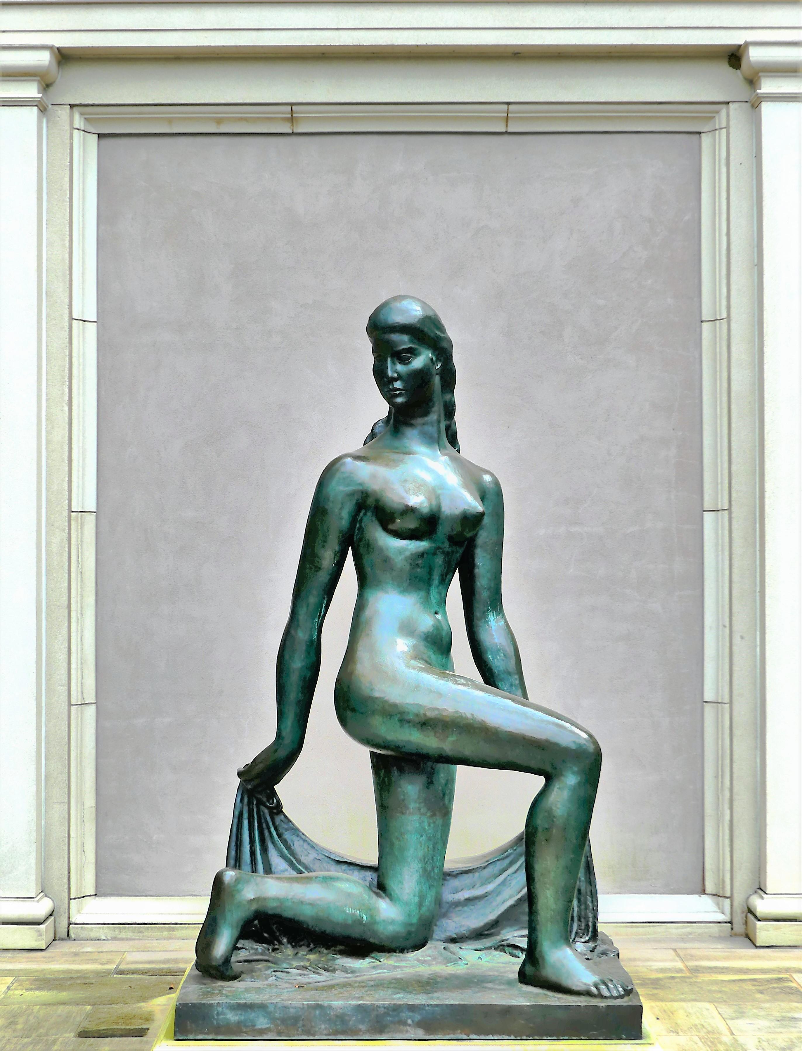 statue (2)