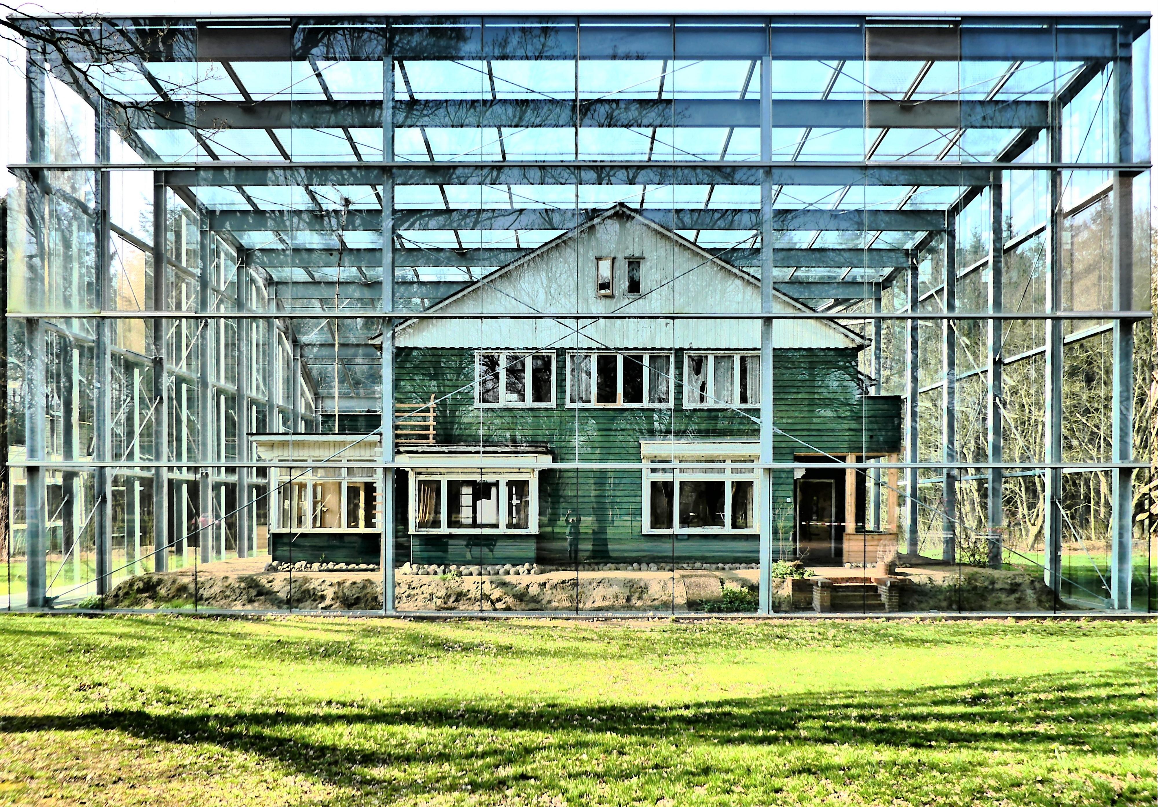 Westerbork under Glass