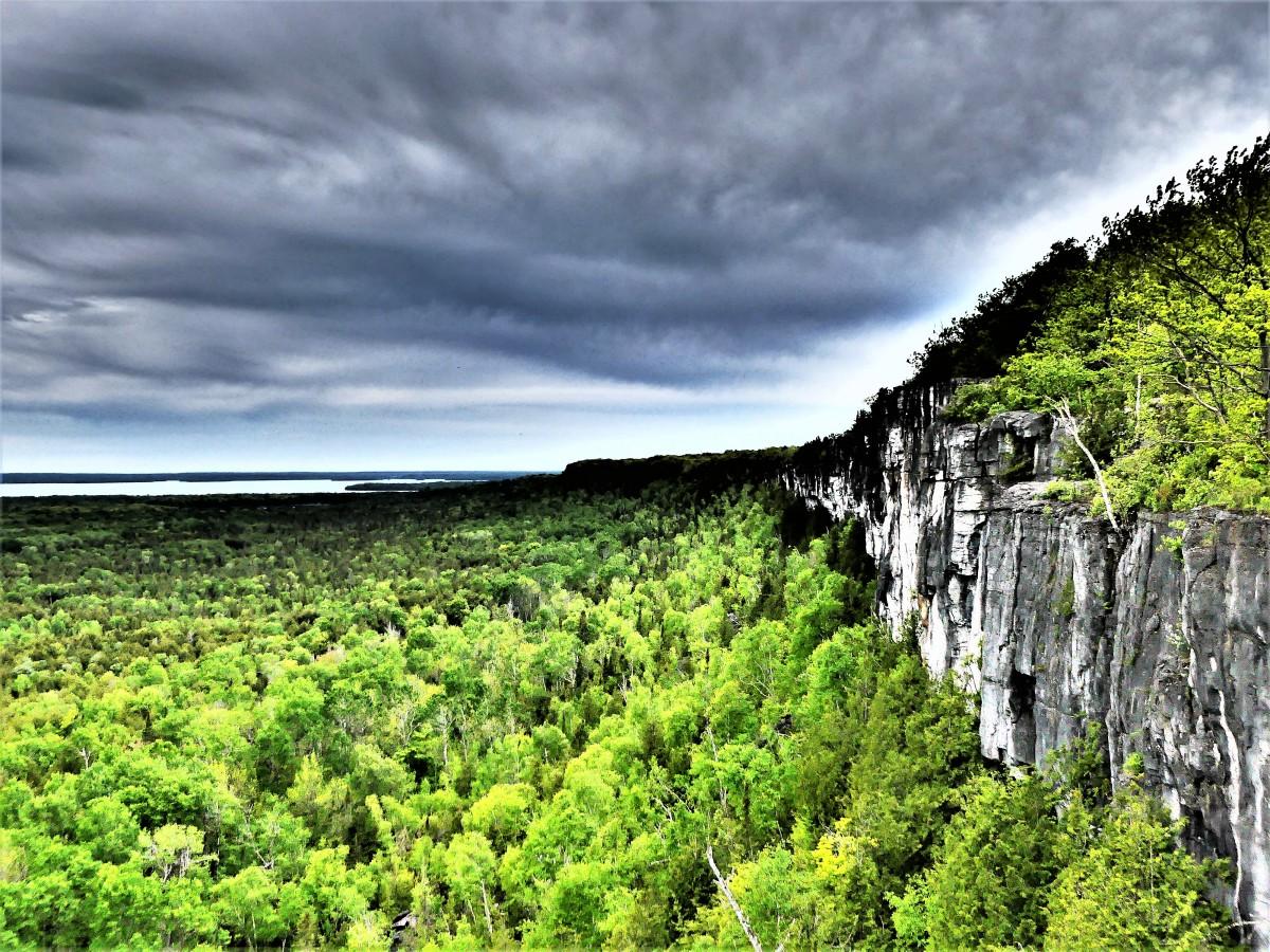 Cliffside overlook.jpg