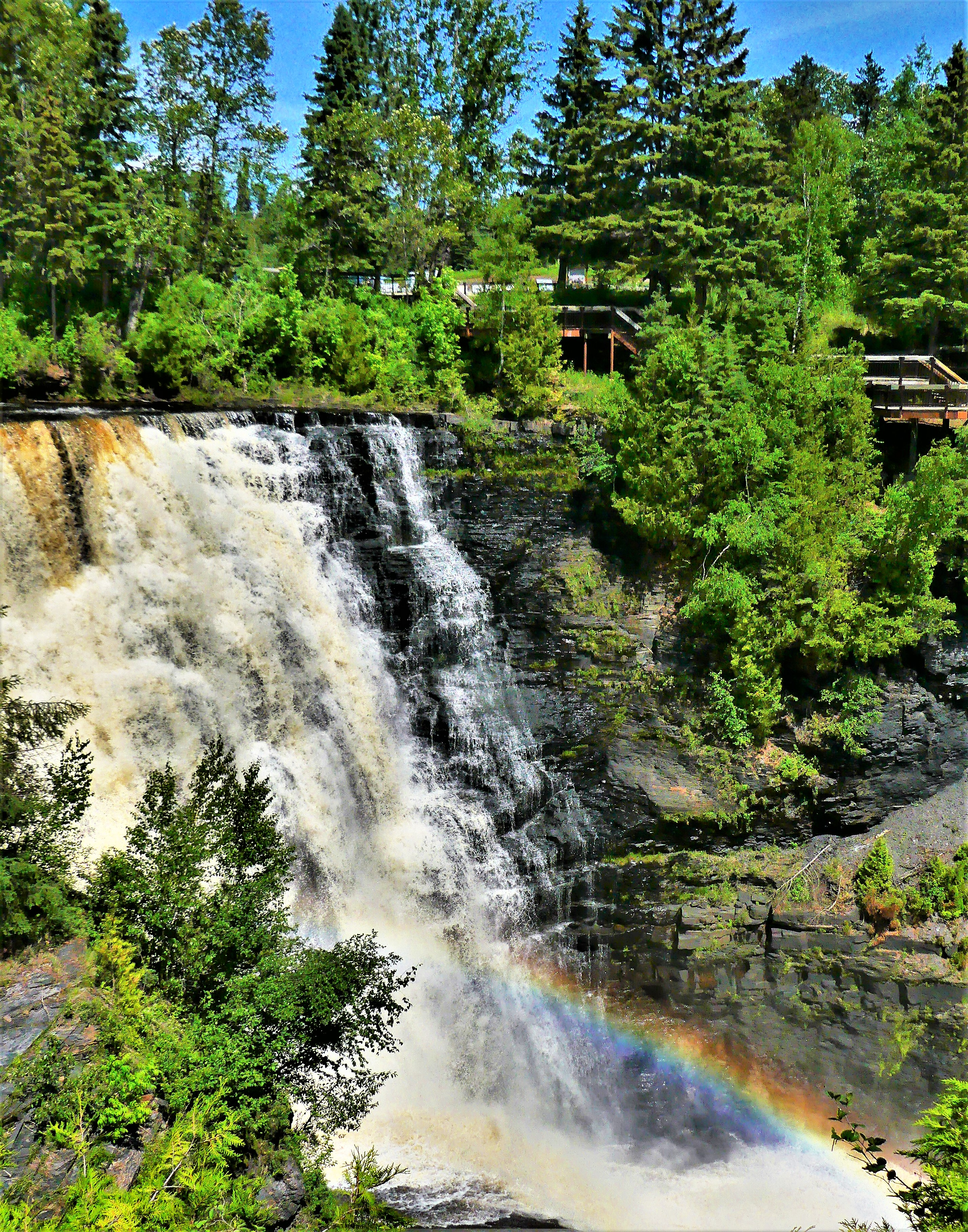 Kakabeka Falls with rainbow
