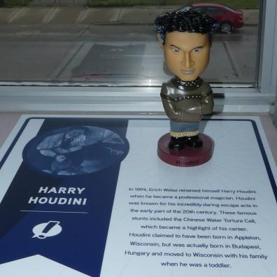 Houdini (2)