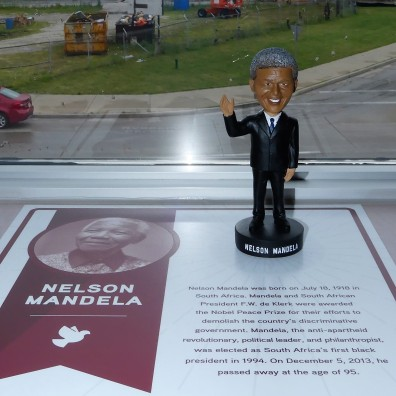 Mandela (2)