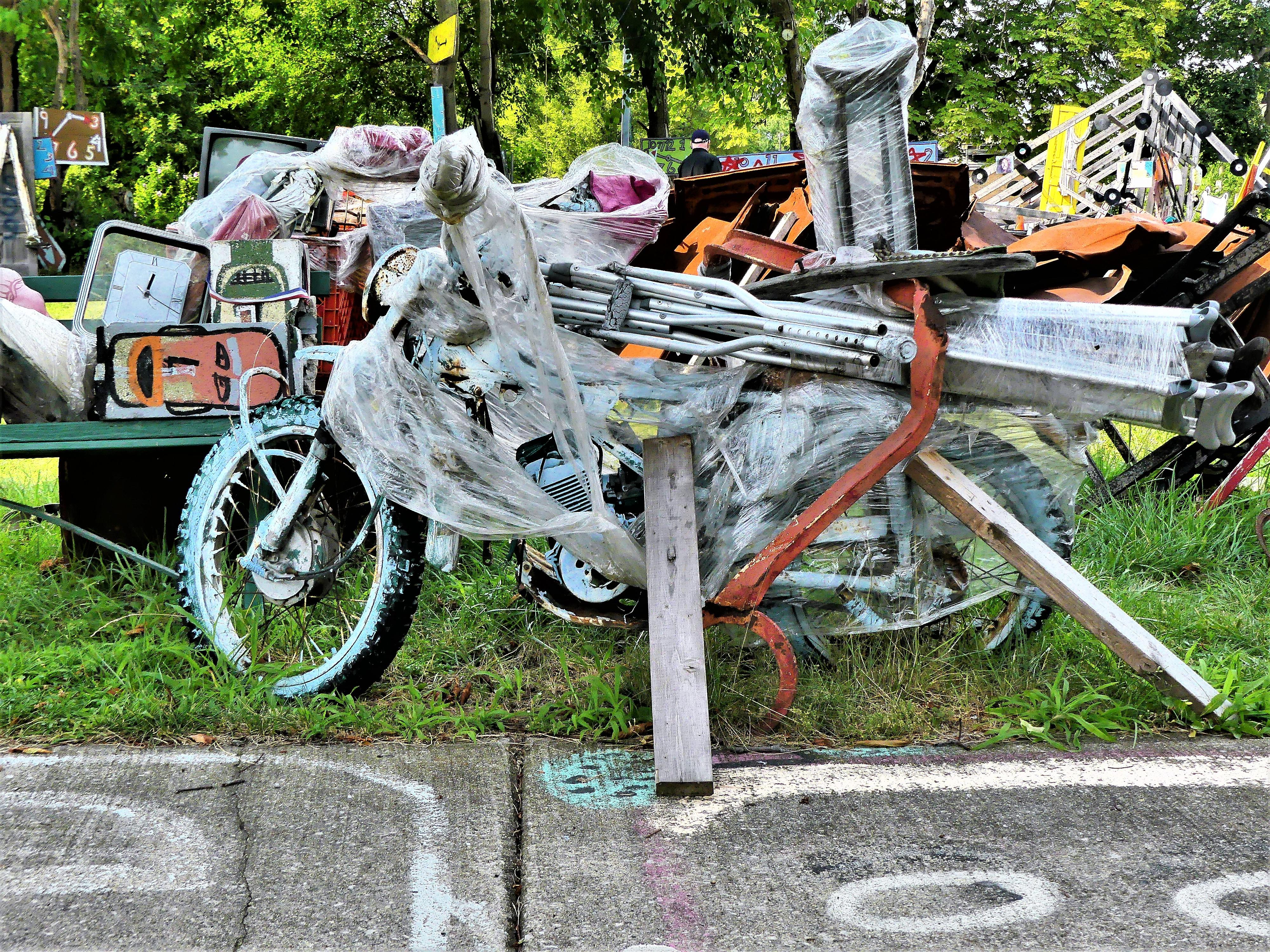 crutch cycle