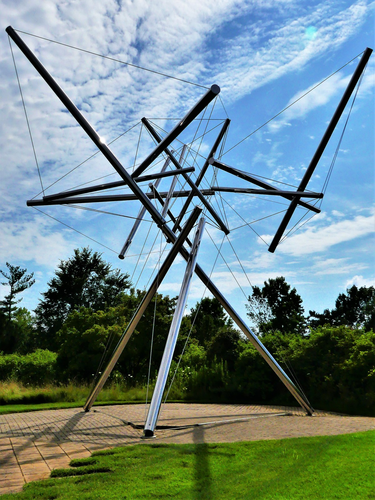 Kenneth Snelson's B-Tree II