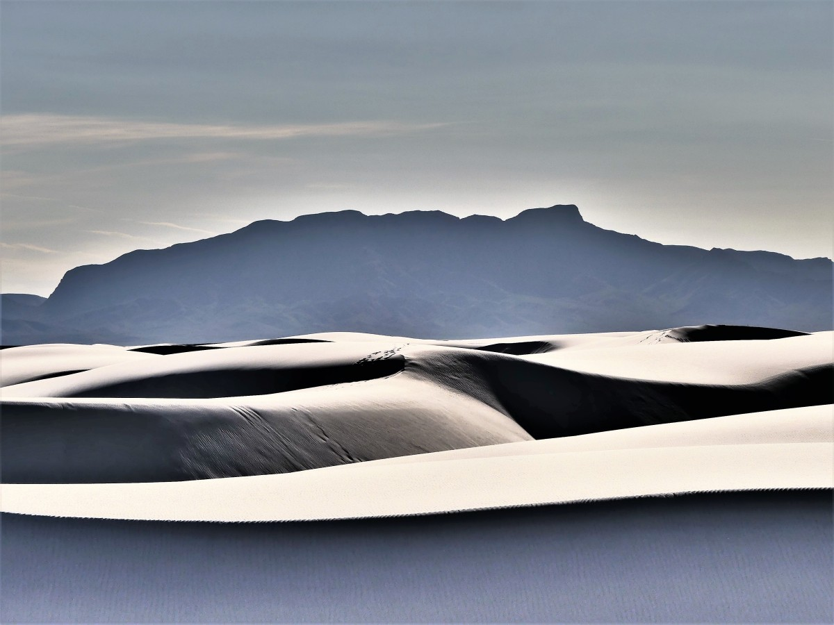 dunescape and mountains (2)